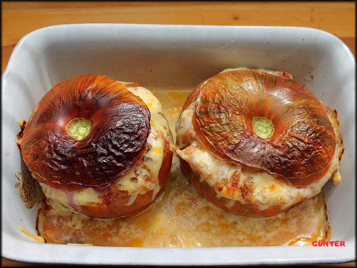 Gefüllte Tomaten mit Hackfleisch.JPG